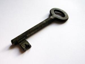 2008-10-20_old-bathroom-door-key