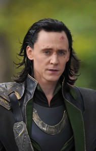 Loki_Tom_Hiddleston_Scarlett_Johansson_Films_60w0b1a1e9kl