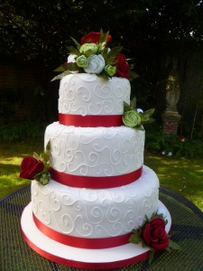 white wedding cakes2