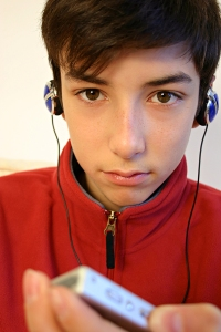 teen-boy-listening-to-music