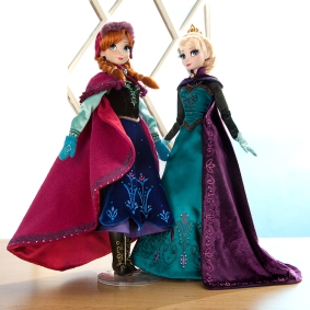 Frozen-Anna-and-Elsa-Dolls
